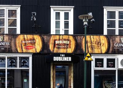 Ljósaskilti fyrir Dubliners Reykjavík