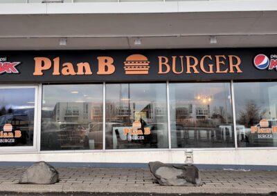 Skilti fyrir Plan B_Signa